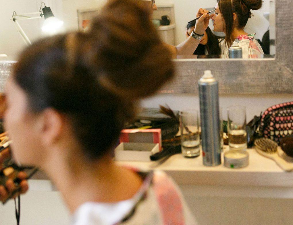 brides-maids-santorini-hairstyles
